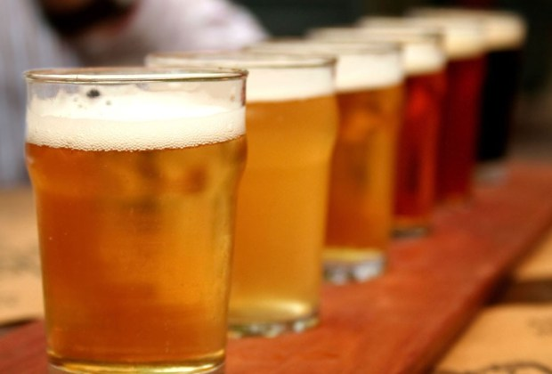 Recorre el mundo con los mejores tours de cerveza - beer-factory-1024x694