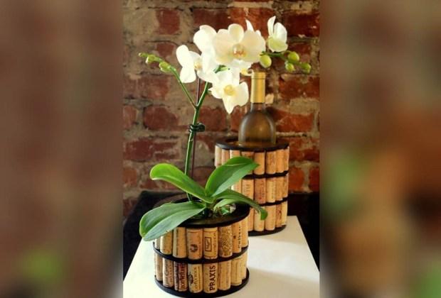 10 ideas de decoración utilizando corchos de vino - decoraci%C3%B3n-corcho-macetas-1024x694
