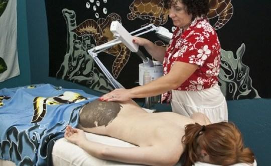 Los 9 tratamientos de spa más extraños del mundo - masaje-trasero