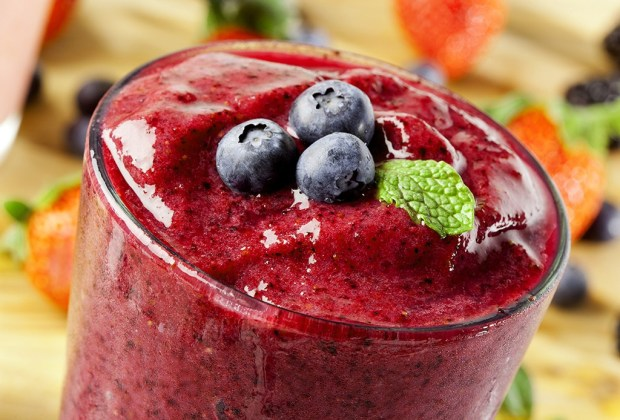 Aprende a preparar un exquisito smoothie de vino - red-smoothie-1024x694