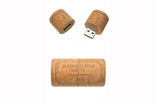 10 ideas de decoración utilizando corchos de vino - usb-corcho-1024x694