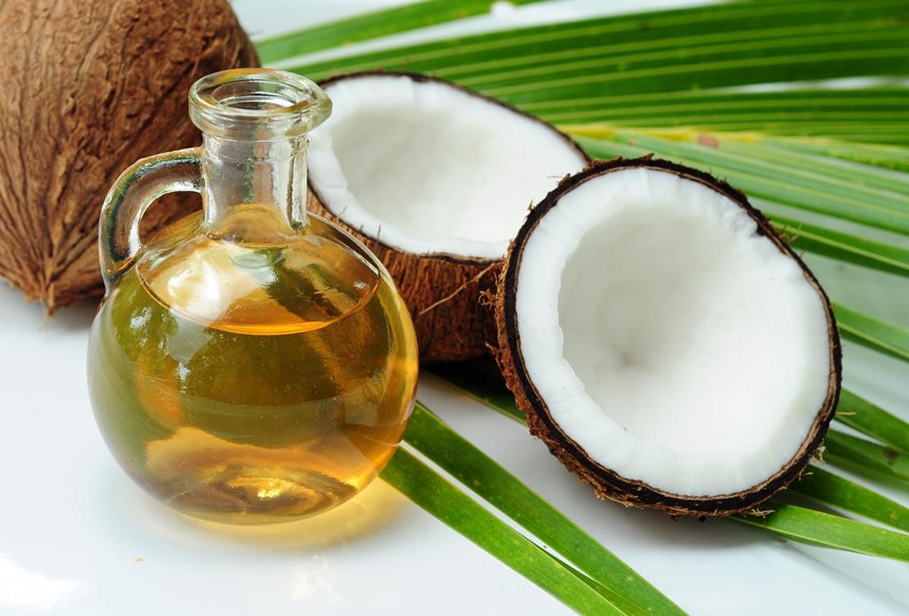3 fáciles tips naturales para olvidarte de las ojeras y ojos hinchados - 1-aceite-de-coco