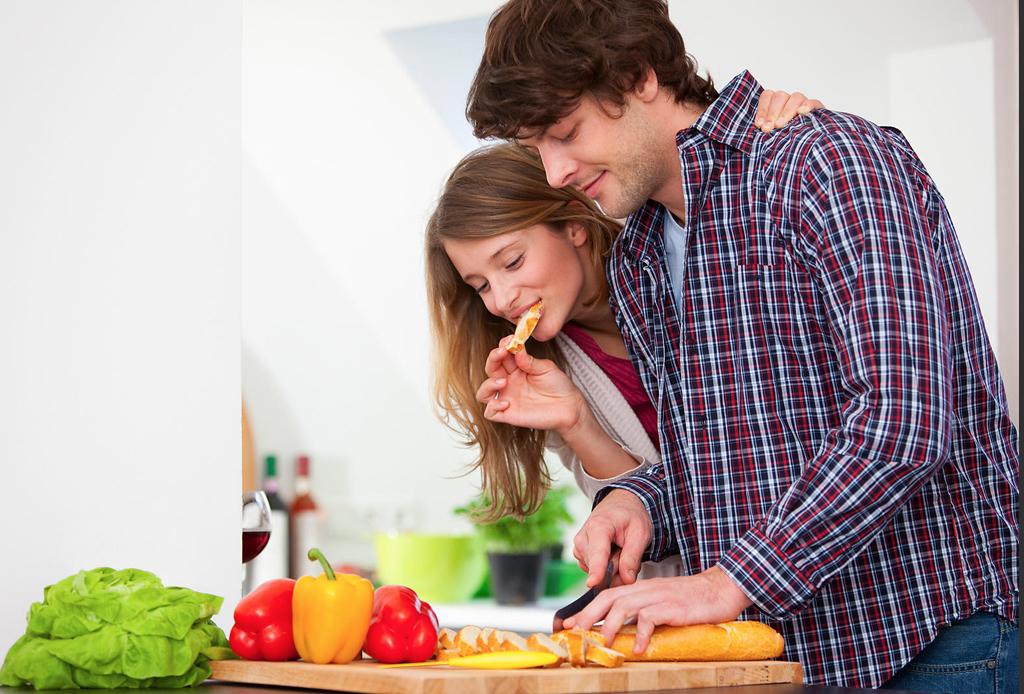La mejor playlist para cocinar con tu pareja