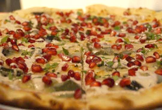 Disfruta los sabores de México en Mercado Roma - pizza-en-nogada