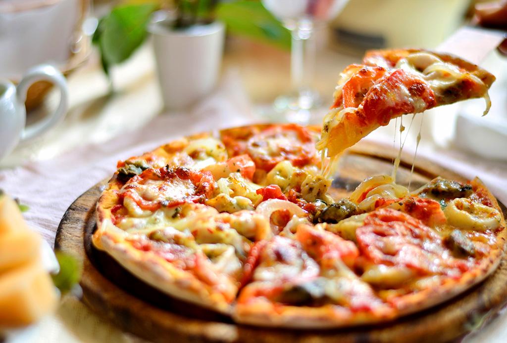 Disfruta de una exquisita pizza sin romper la dieta