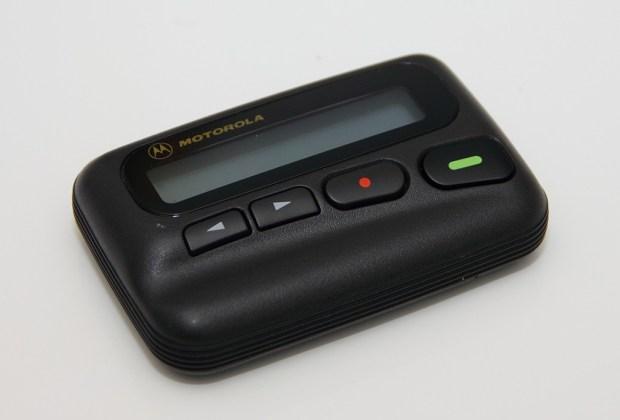 10 gadgets de los 90's que fueron reemplazados por la tecnología - beeper-1024x694