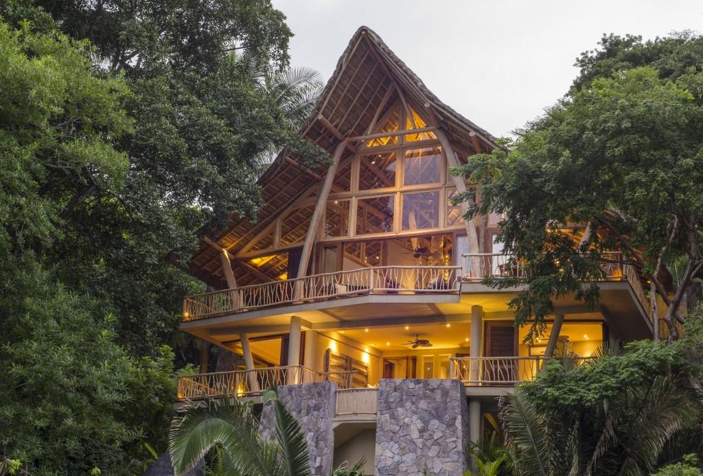 7 opciones de hospedaje para los amantes del ecoturismo - sayulita-casa-de-arbol