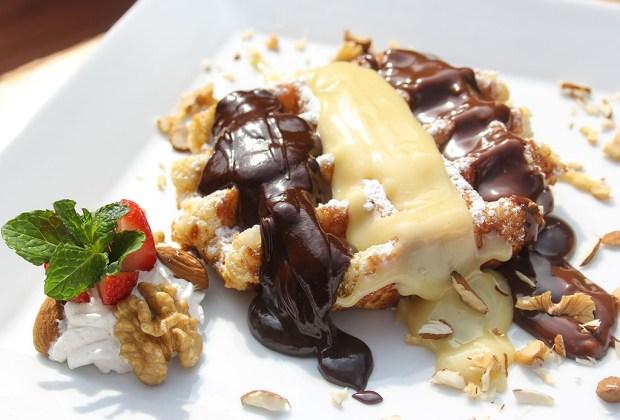 Los mejores postres de 6 diferentes países - waffles-1024x694