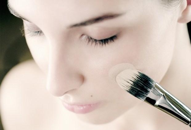 5 pasos para deshacerte del acné y la grasa para siempre - acne-maquillaje-1024x694
