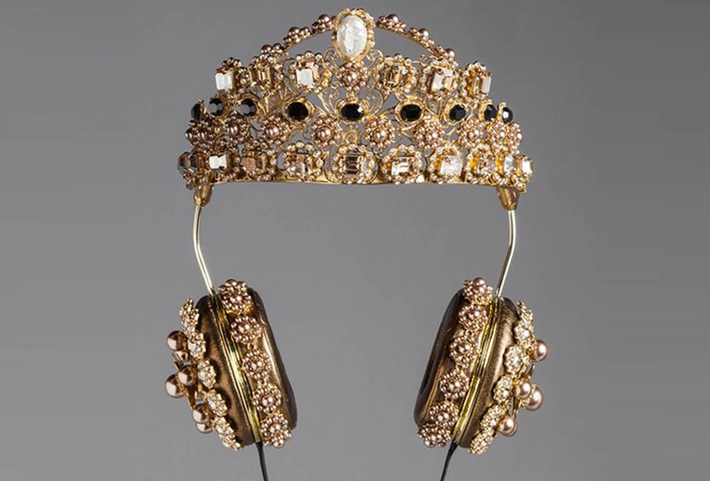 Los audífonos de D&G que te harán sentir como la realeza