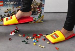 Lego creó unas pantuflas para no arruinar la diversión