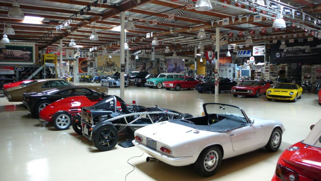 5 coleccionistas con más autos en el mundo