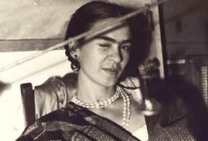 ACME Studio homenajea a Frida Kahlo con una colección