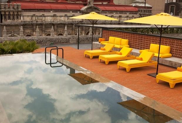 6 terrazas con alberca que debes visitar en la Ciudad de México - 1-downtown-1024x694