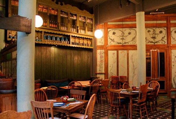 Los 10 restaurantes más acogedores de la Roma - yuban-1024x694