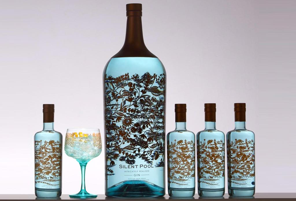 La botella de gin más grande y costosa de la historia