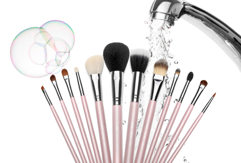 9994e5bdb Los 8 jabones ideales para mantener tus brochas de maquillaje limpias y  perfectas