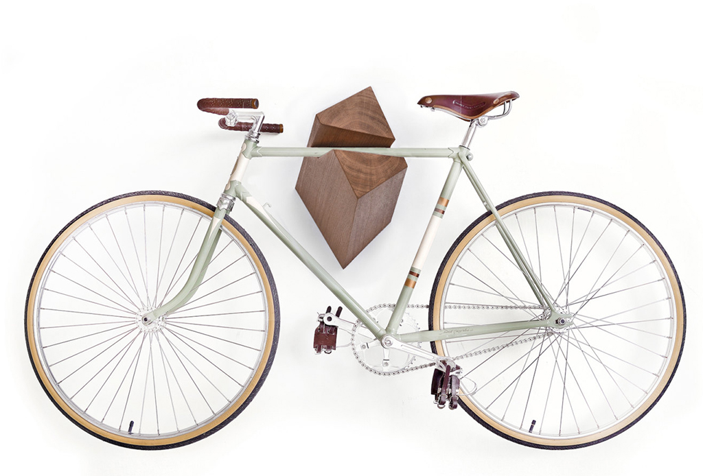 Decora tu depa con tu propia bicicleta - bicicolgadores-tendencias-decoracion
