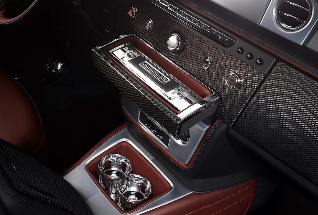 El Rolls-Royce que llega con su propio bar de champaña - rolls-royce-phantom-bar-de-champana