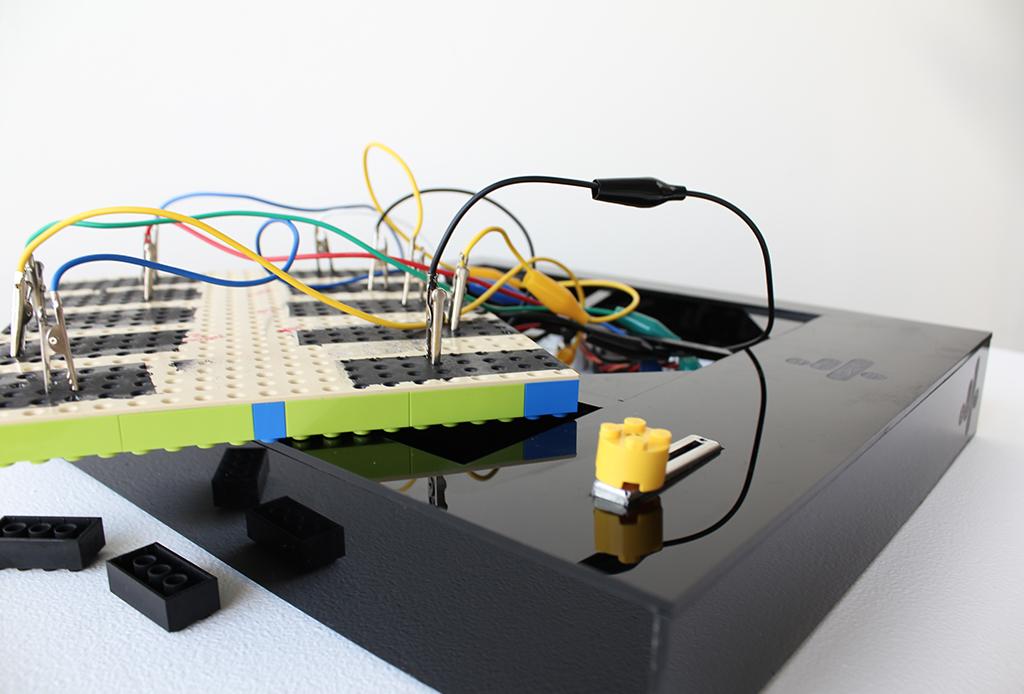 Ya puedes construir tu propio teclado con LEGO - teclado-lego-music-tecnologia-touch-1