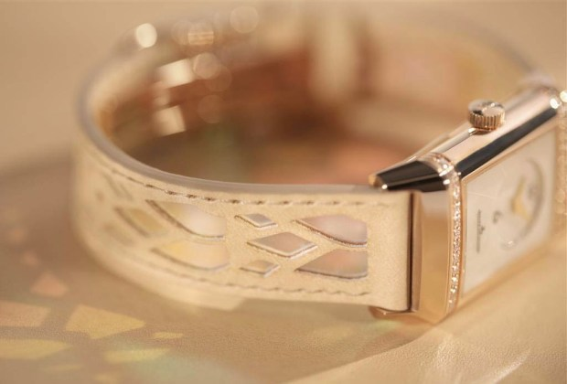 Los diseños de Christian Louboutin llegaron a los relojes de Jaeger-LeCoultre - louboutin-1-1024x694