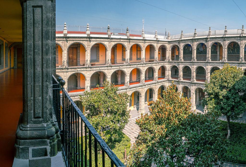 42 lugares para un inolvidable tour arquitectónico por la CDMX - san-ildefonso
