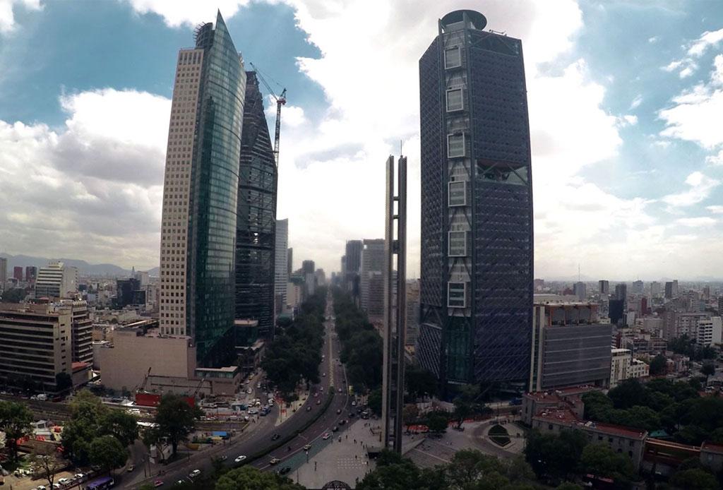 42 lugares para un inolvidable tour arquitectónico por la CDMX - torres-reforma
