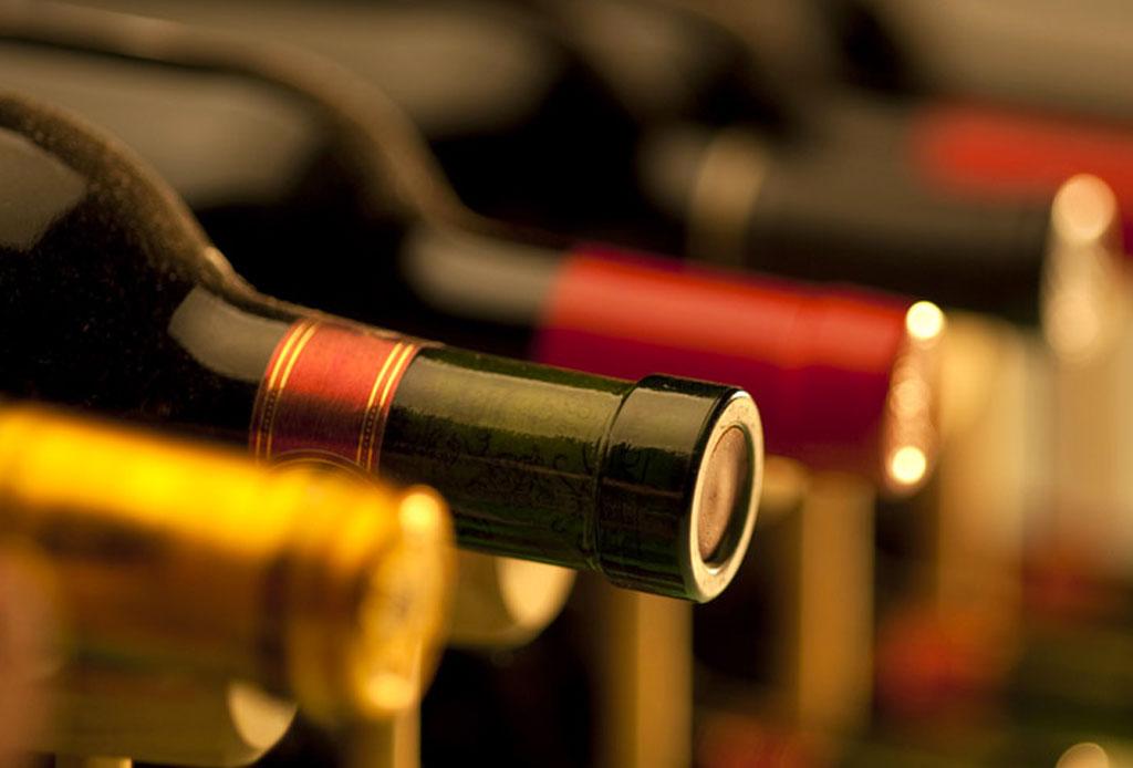 6 consejos para elegir un vino para regalar o llevar a una cena - como-elegir-una-botella-de-vino-5