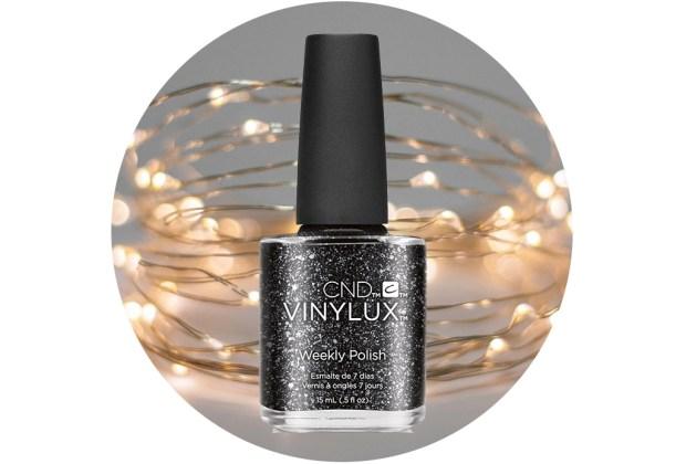 10 nuevos esmaltes de uñas para usar esta temporada de fiestas - cnd-vinilux-dark-diamonds-1024x694