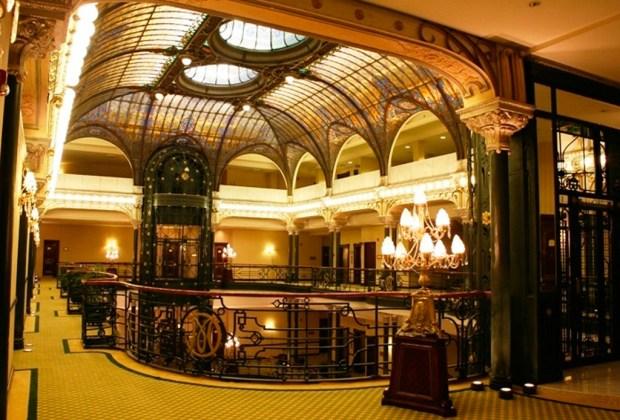 6 hoteles para hospedarte en el Centro Histórico de la CDMX - gran-hotel-1024x694