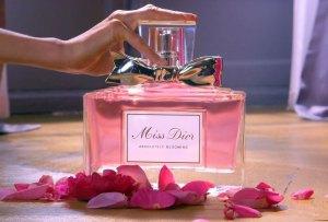 10 perfumes de aroma dulce que te fascinarán