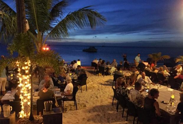 10 razones para ir a Aruba con tu pareja lo más pronto posible - aruba-barefoot-1024x694