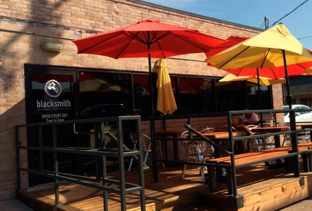 10 restaurantes donde desayunarás DELICIOSO en Houston - blacksmith-1024x694