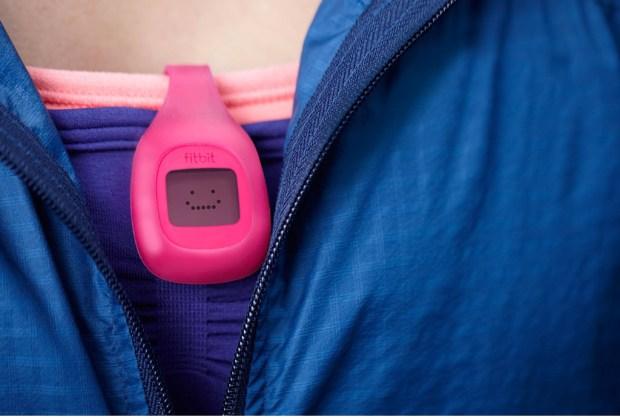 Vístete con gadgets que te ayudarán a bajar de peso - fit-bit-1024x694