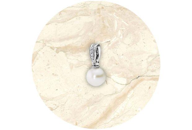 8 piezas de Pandora de elegancia atemporal - pandora-colgante-belleza-elegante-1024x694