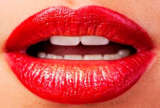 Qué color de labial usar según tu rostro - rojo-1024x694