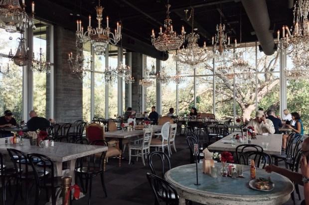 10 restaurantes donde desayunarás DELICIOSO en Houston - the-dunvaly-1024x681