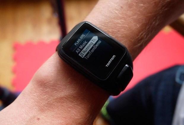 Vístete con gadgets que te ayudarán a bajar de peso - tomtom-1024x694