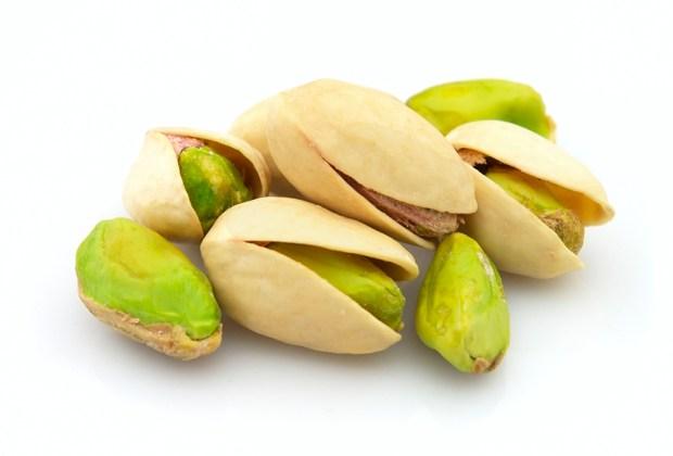 ¡Come snacks más healthy con este spread de pistache! - pistaches-1024x694