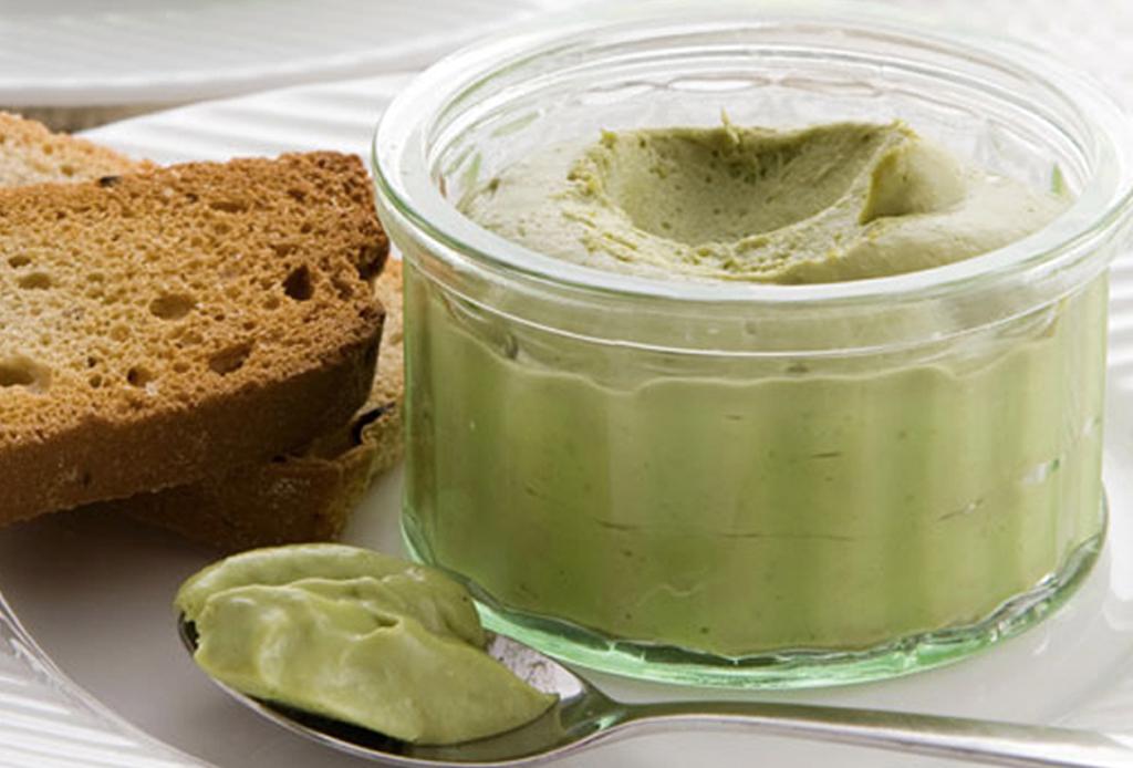 ¡Come snacks más healthy con este spread de pistache!