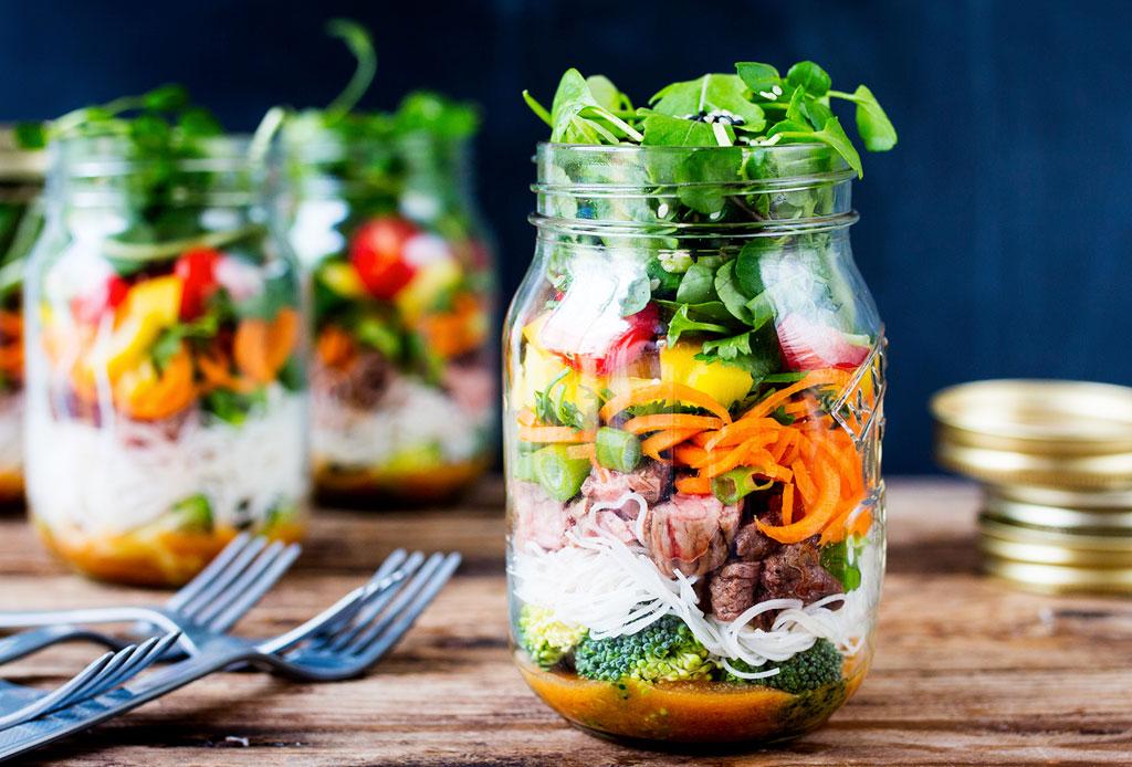 Desayunar ensalada: una nueva tendencia para los más ocupados
