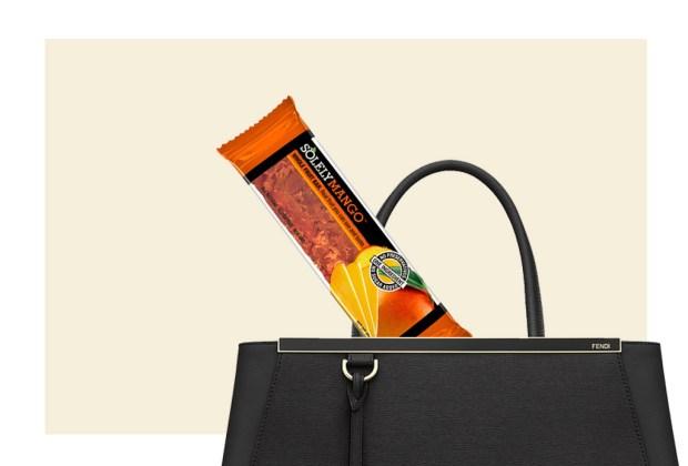 5 alimentos saludables para siempre llevar en tu bolsa - solely-2-1024x694