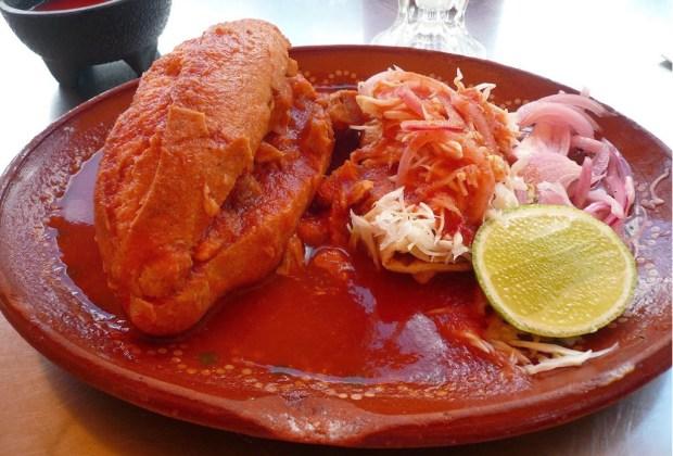 TURISTAS: 9 platillos básicos que reafirman tu visita México - torta-1024x694