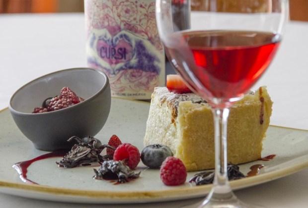¿Cómo evitar subir de peso en vacaciones? ¡Sigue estos consejos! - vinos-rosados-cursi-1024x694