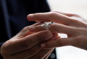 Lo que debes saber de las marcas más importantes de anillos de compromiso