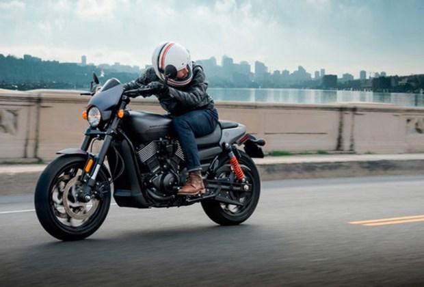 La Harley-Davidson Street Rod es la moto que todo amante del motor quiere tener - moto-1024x694
