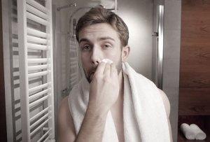 Toallitas húmedas para deshacerte de la piel grasa