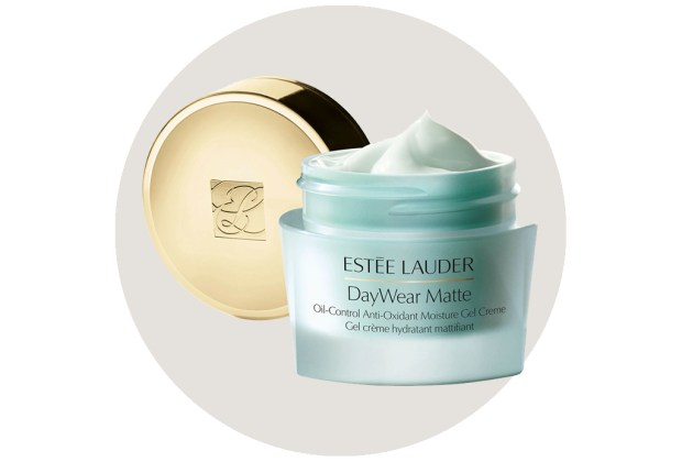 Este es el secreto para eliminar el brillo de tu rostro - day-wear-matte-2-1024x694