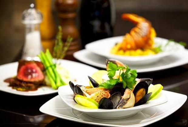 Restaurantes que debes visitar en Playa del Carmen - playa-del-carmen-oh-lala-1024x694