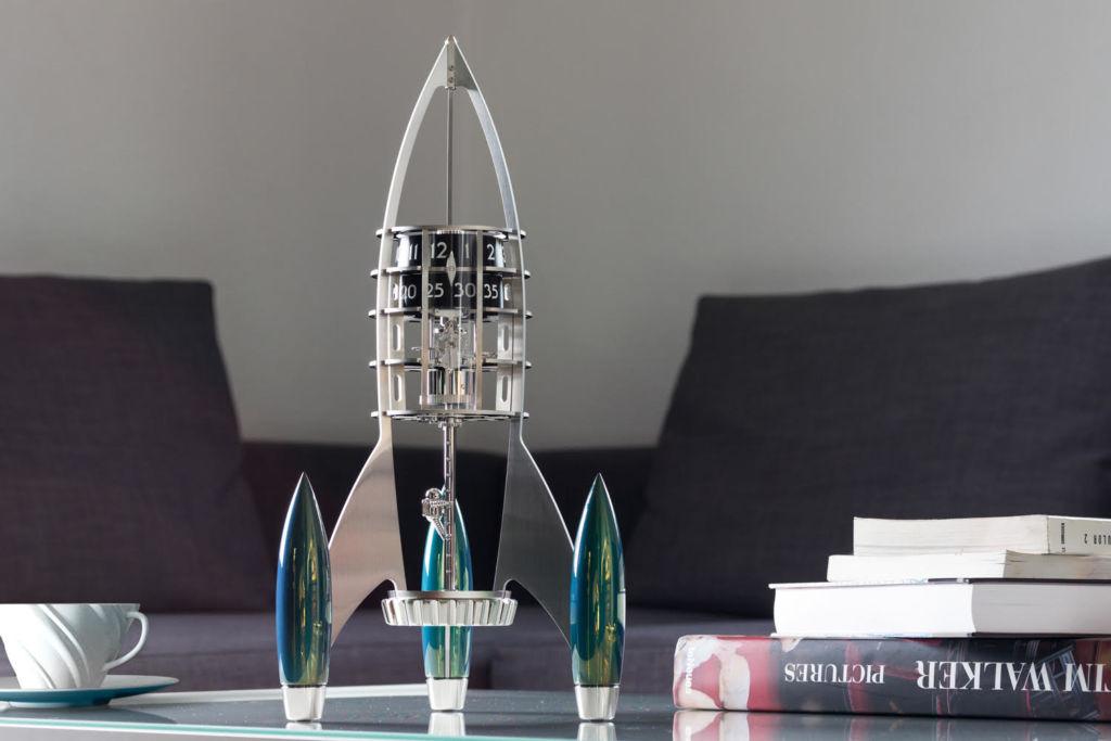 Destination Moon: el reloj que tiene forma de cohete